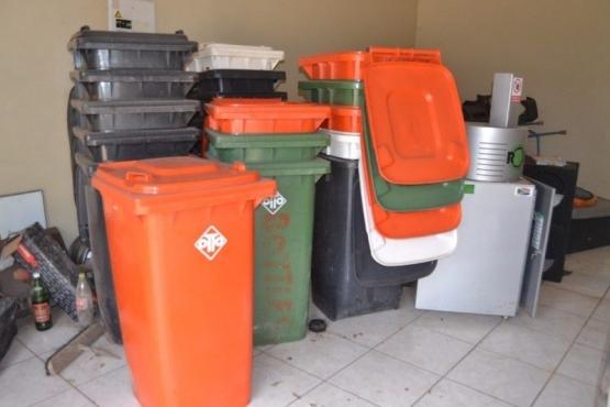 240 Litre Plastic Single Wheelie Bin   Plastic Recycle Bins