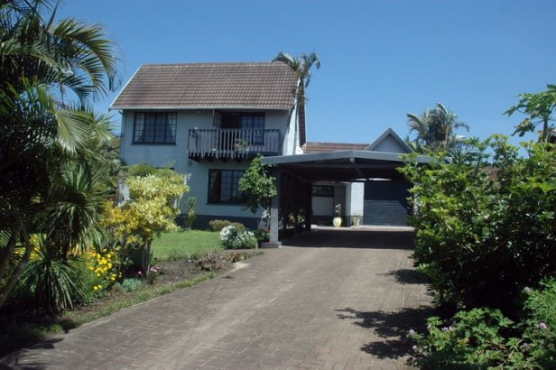 Lovely 3 Bedroom,2 Bathroom Double Storey House for sale in Port Edward
