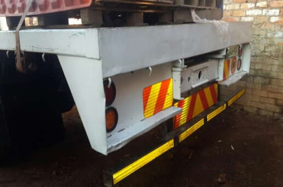 Mercedes Benz 366 Turbo 6 speed 8 ton truck for sale