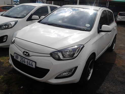 Hyundai I20 Flue 14 Model 2014 5 Door Colour White Factory A C MP3