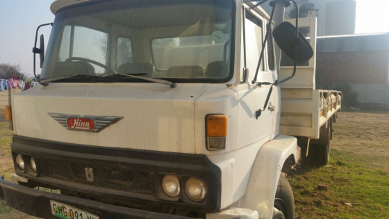 Toyota Hino truck - no engine