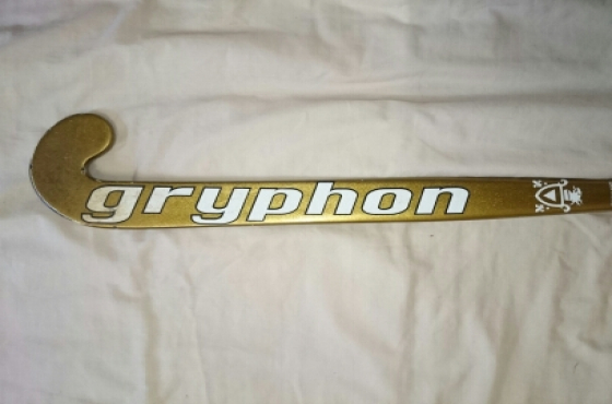 Gryphon Solo hockey stick and Gryphon stick bag