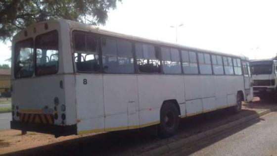 Hino Bus 70 seater 5 speed Passengers