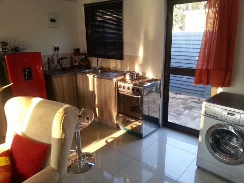 flat In Silverton suitable for smart single or a couple