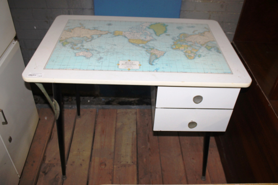 White Table S023139D #Rosettenvillepawnshop