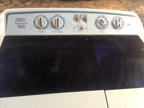 Defy Twinmaid 1300 Twin Tub washing machine