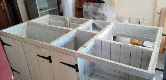 Kitchen Island Farmhouse series 2100 Chalk paint distressed