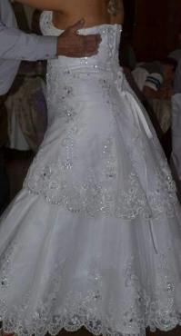 Beautiful Wedding dress for Sale Handmade with detail