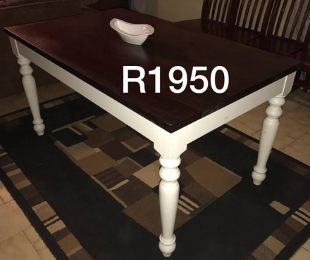 Lovely 6 Seater Dining room table