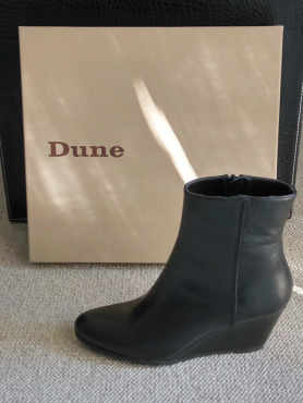 GENUINE LEATHER - DUNE WEDGE ANKLE BOOTS - BLACK - SIZE 4 (37) - NEW (NEVER BEEN WORN)
