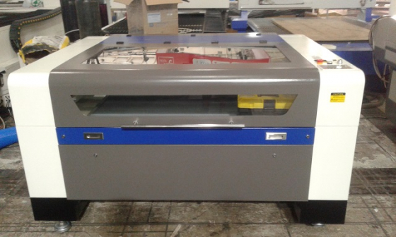 100 watt laser cutter and engraver 1300 x 900 mm