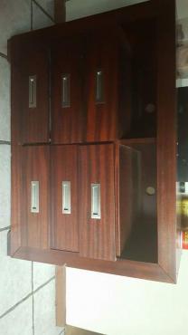 6 drawer cabinette