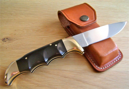 I'm looking for knives by Arbuckle, Chris Reeve, Piet Grey, Wood, Also Puma, Kershaw, Al Mar.
