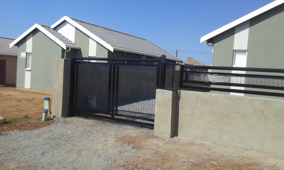 sliding gate and automation