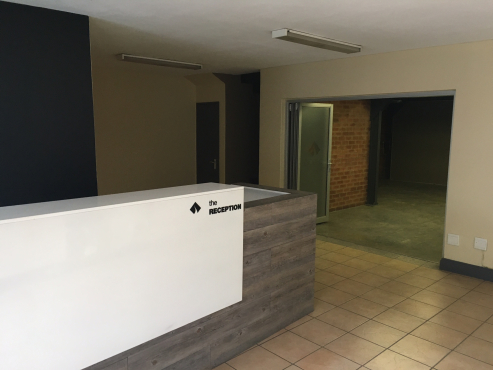 MINI FACTORY / WAREHOUSE TO LET IN VSP COMPLEX, HENNOPS PARK, CENTURION.