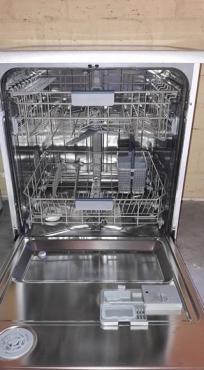 Samsung Silver Dishwasher.