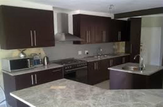 Kitchen bedroom cupboards installers junk mail for Kitchen fitters gauteng