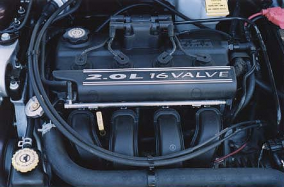 Chrysler neon 2.0 complete cylinder Head for sale   R3000  Contact 0764278509 whatsapp 0764278509