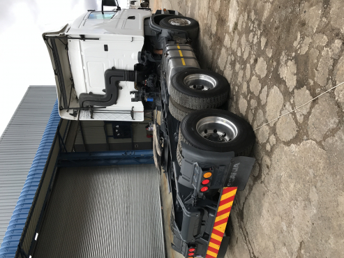 2011 Scania R470 6x4 Sleeper Cab