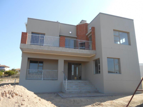 Brand new family home in Jeffreys Bay