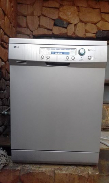 LG dishwasher. Excellent condition.