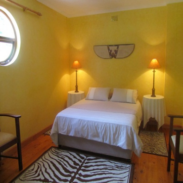 CAPE TOWN, PINELANDS, PRETTY FULL. FURN. & EQUIPPED APARTMENT TO LET