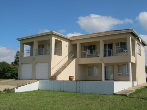 6 Bedroom ,3 Bathroom House with Sea Views for sale in Port Edward