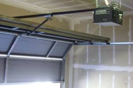 VAAL TRIANGLE , Garage door and Gate motor Service & Repairs. CALL NOW