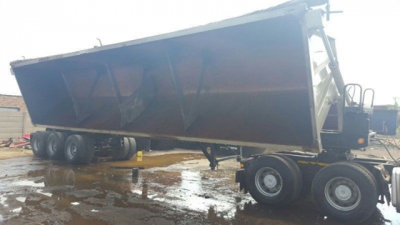 WE MANUFACTURE ALL SIZES OF TIPPER BIN AND INSTALL FIT THEM ON TRUCKS