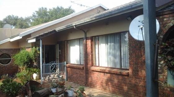 1 Hektaar Plot te Koop in Leeuwfontein, Roodeplaat