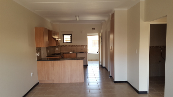 2 BEDROOM FLAT TO RENT IN RETIREMENT VILLAGE, FEATHERBROOKE HILLS