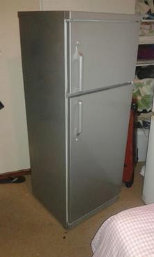 Fridge/freezer.