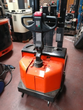 BT 1,2 TON ELECTRIC STACKER FOR SALE!