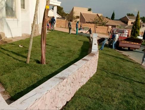 Evergreen, LM ,Kikuyu Instant Lawn & Organic Manure? Call Paul 0617591082