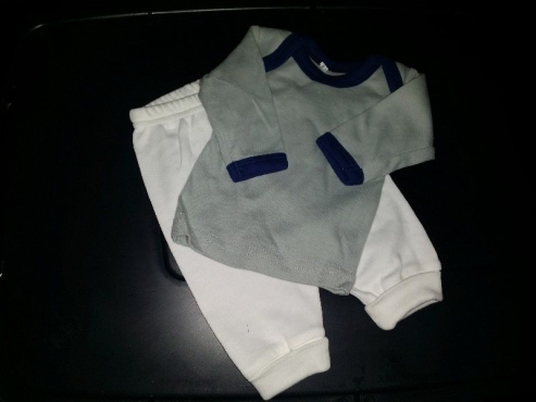 CLEARING ALL STOCK-brand-new Edgars baby clothing 10