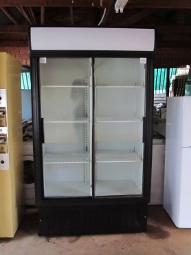 Display Double sliding door fridge 760L Like new