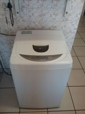 7.2kg LG top loader washing machine.