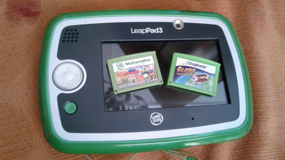 Leap pad 3 + 2 games (like brand-new only played twice)