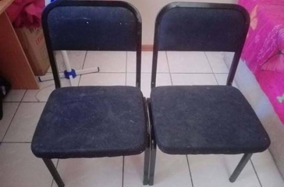 4 stoele