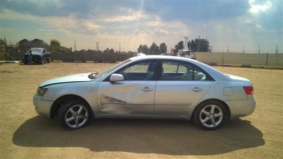 Hyundai Sonata Stripping for spares