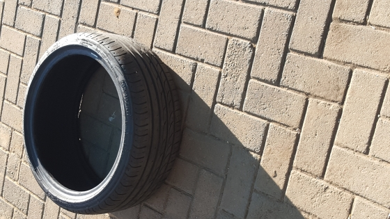 Tyre only 1x 165/65 ×14 R400 Like new -7mm  tread.