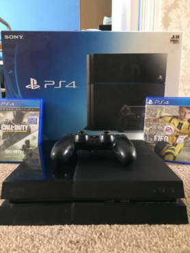 500gb PS4 Console with FIFA 17 and Call Of Duty Infinite Warfare