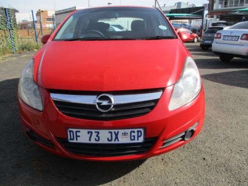 Opel corsa 1.4 essentia, 5-doors,  Factory A/c, C/d Player, Central Locking,  mobilizer, Red in Colo