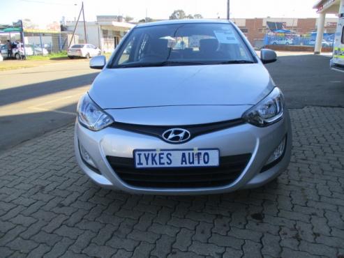 Hyundai i20 1.4 gl, Reverse Sensor, 5-doors, Full franchise service history,  Factory A/c, C/d Playe