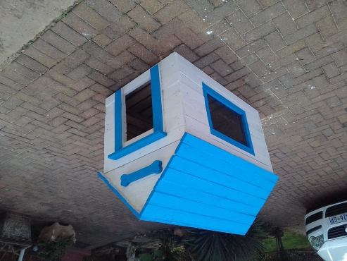 doghouses for sale. R1800