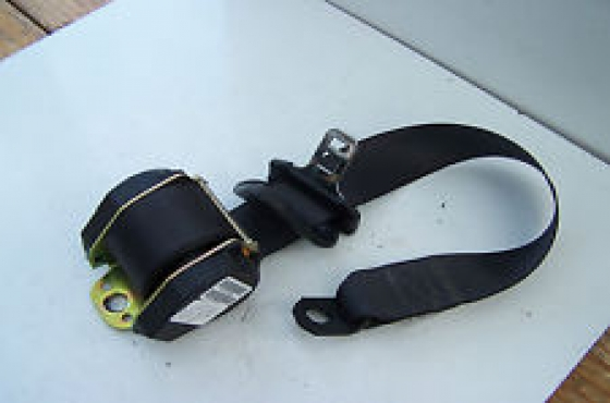 Chrysler Neon seat belts  for sale  contact Tel: 012 753 0656 Cell: 0764278509 whatsapp 0764278509
