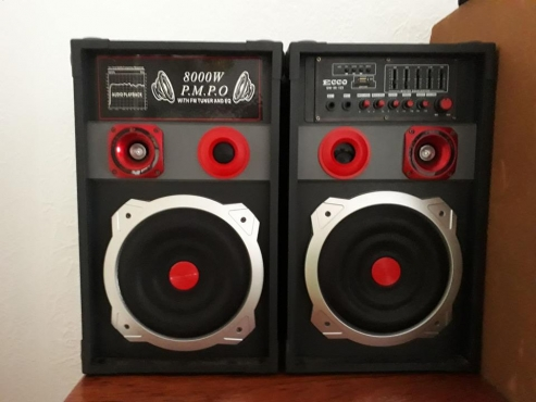 2 Ecco speakers with build in amp for sale | Junk Mail