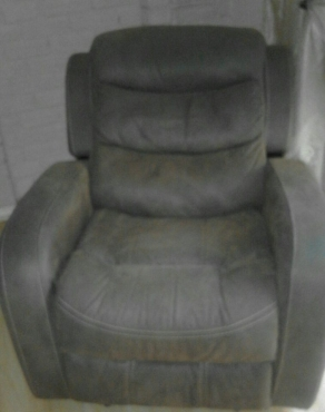 3 piece Marcello international collection. 3 recliners