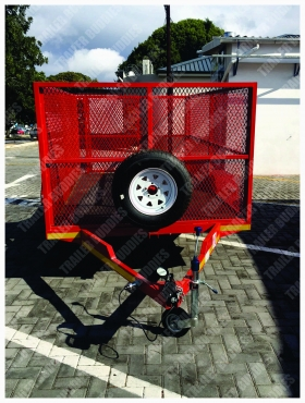 Want to transport your belongings? Hire a all purpose trailer with 1.2 m mesh sides