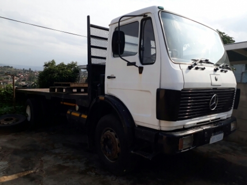8 Ton truck for sale.